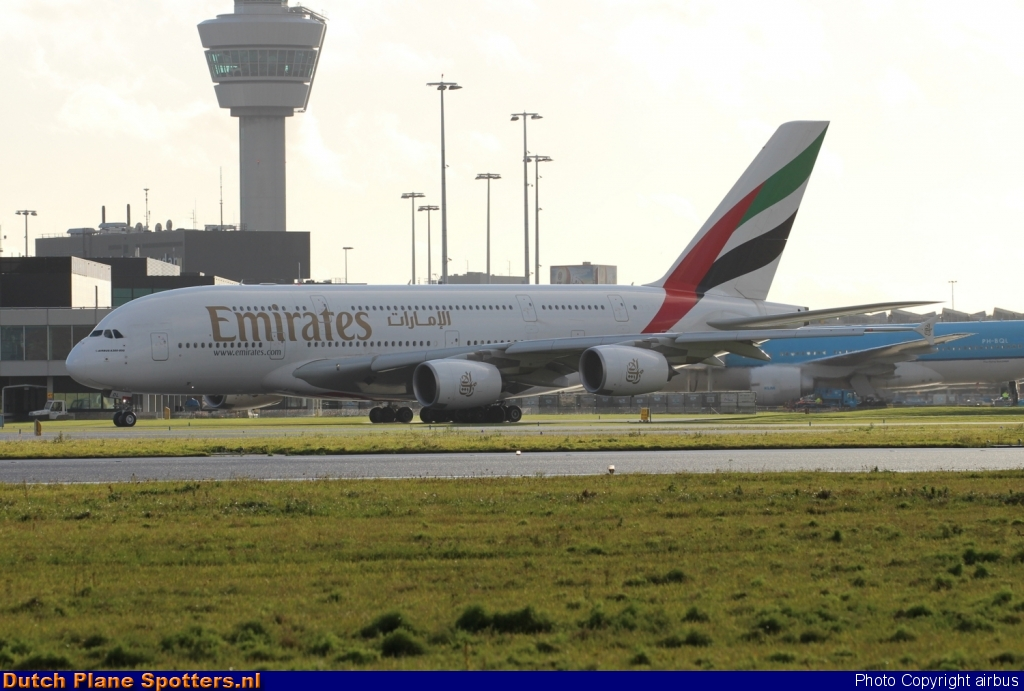 A6-EDL Airbus A380-800 Emirates by airbus