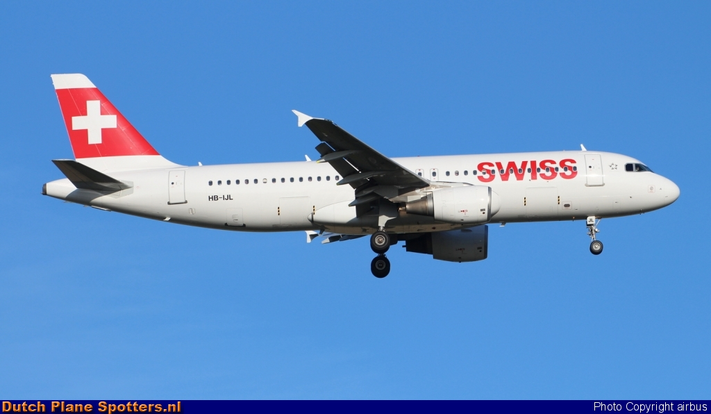 HB-IJL Airbus A320 Swiss International Air Lines by airbus