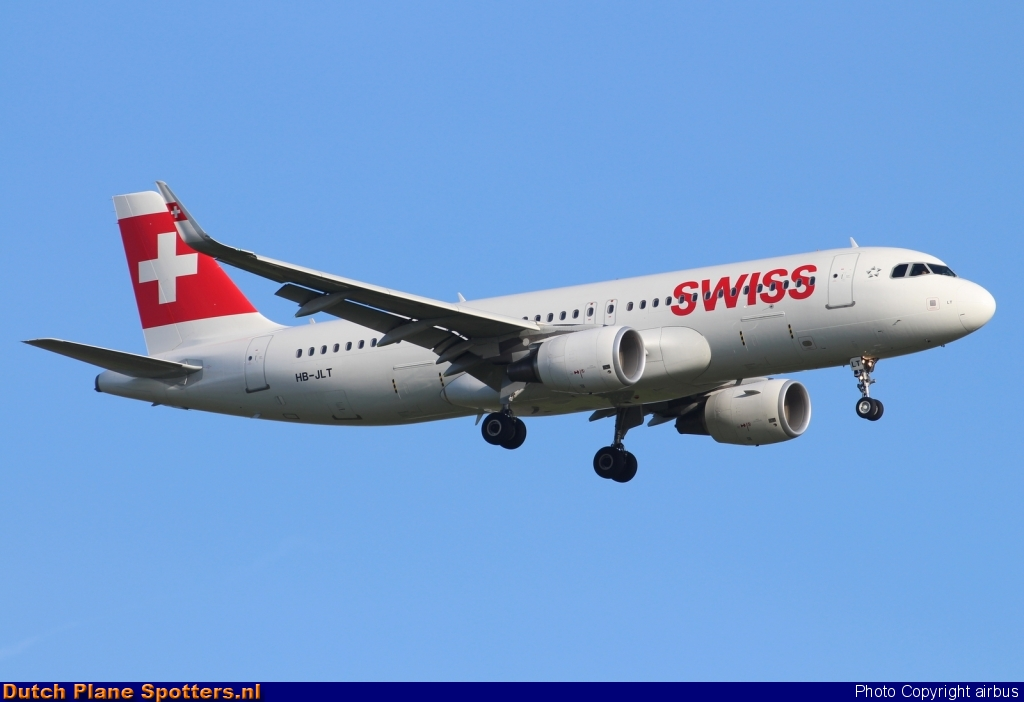 HB-JLT Airbus A320 Swiss International Air Lines by airbus