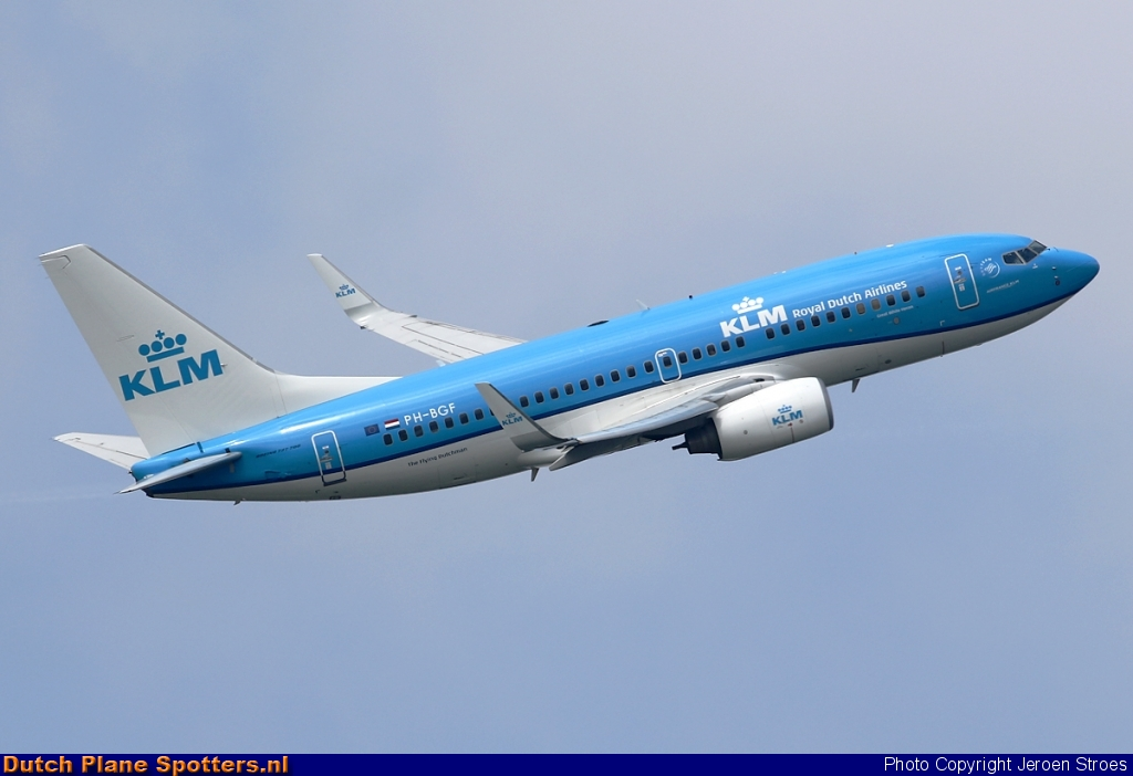 PH-BGF Boeing 737-700 KLM Royal Dutch Airlines by Jeroen Stroes