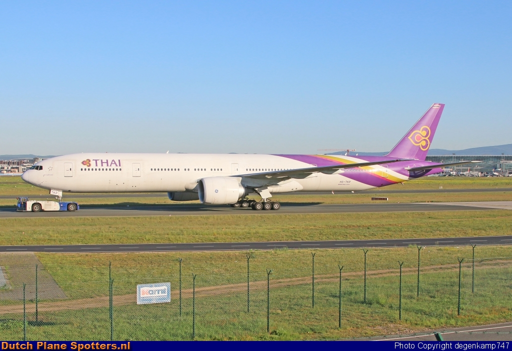 HS-TKP Boeing 777-300 Thai Airways International by Herman Degenkamp