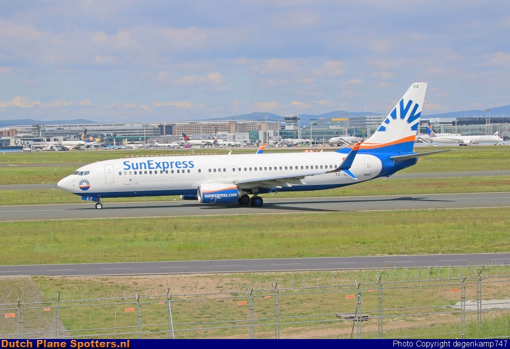 TC-SEZ Boeing 737-800 SunExpress by Herman Degenkamp