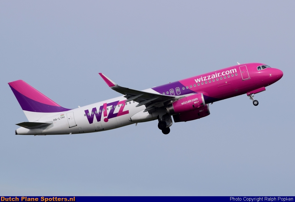 HA-LYM Airbus A320 Wizz Air by Ralph Popken