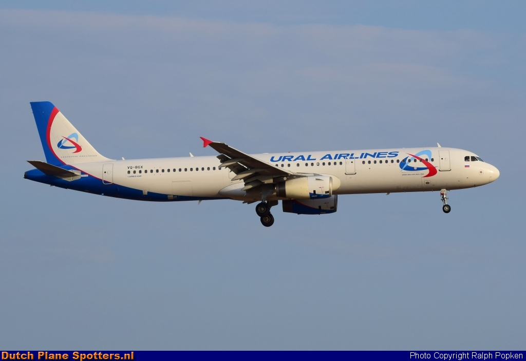 VQ-BGX Airbus A321 Ural Airlines by Ralph Popken
