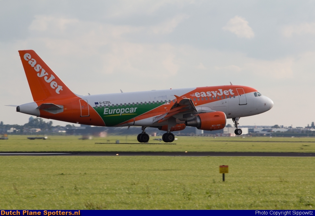 G-EZDL Airbus A319 easyJet by Sippowitz