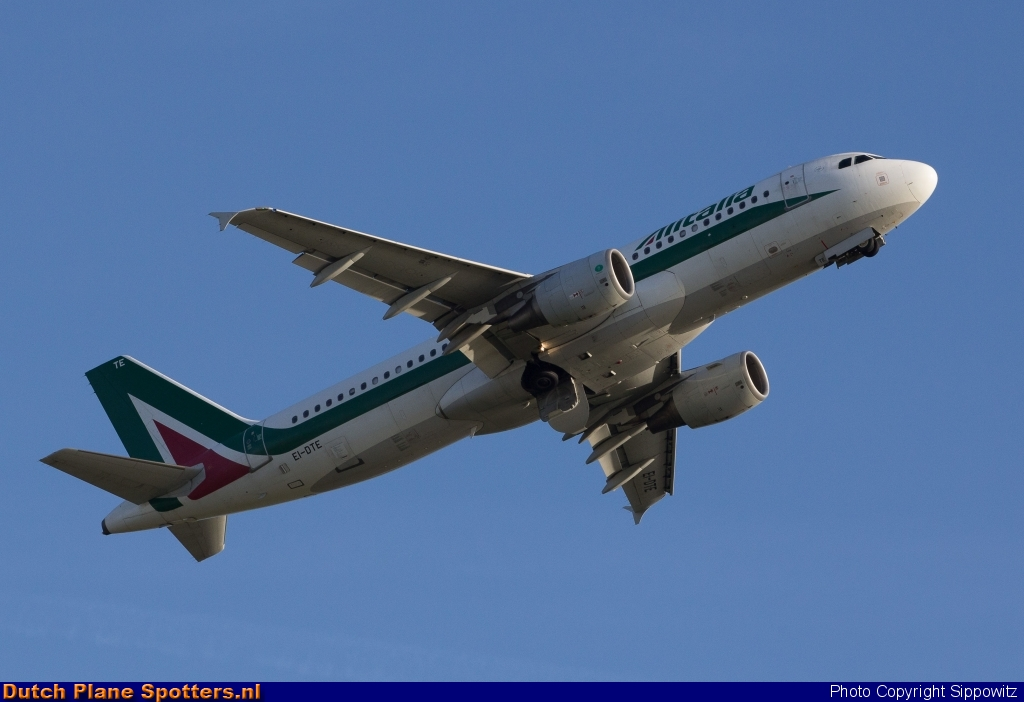 EI-DTE Airbus A320 Alitalia by Sippowitz