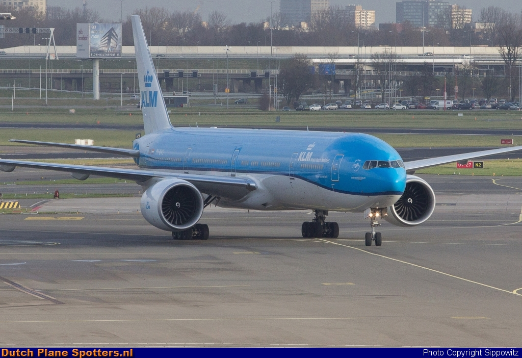 PH-BVS Boeing 777-300 KLM Royal Dutch Airlines by Sippowitz