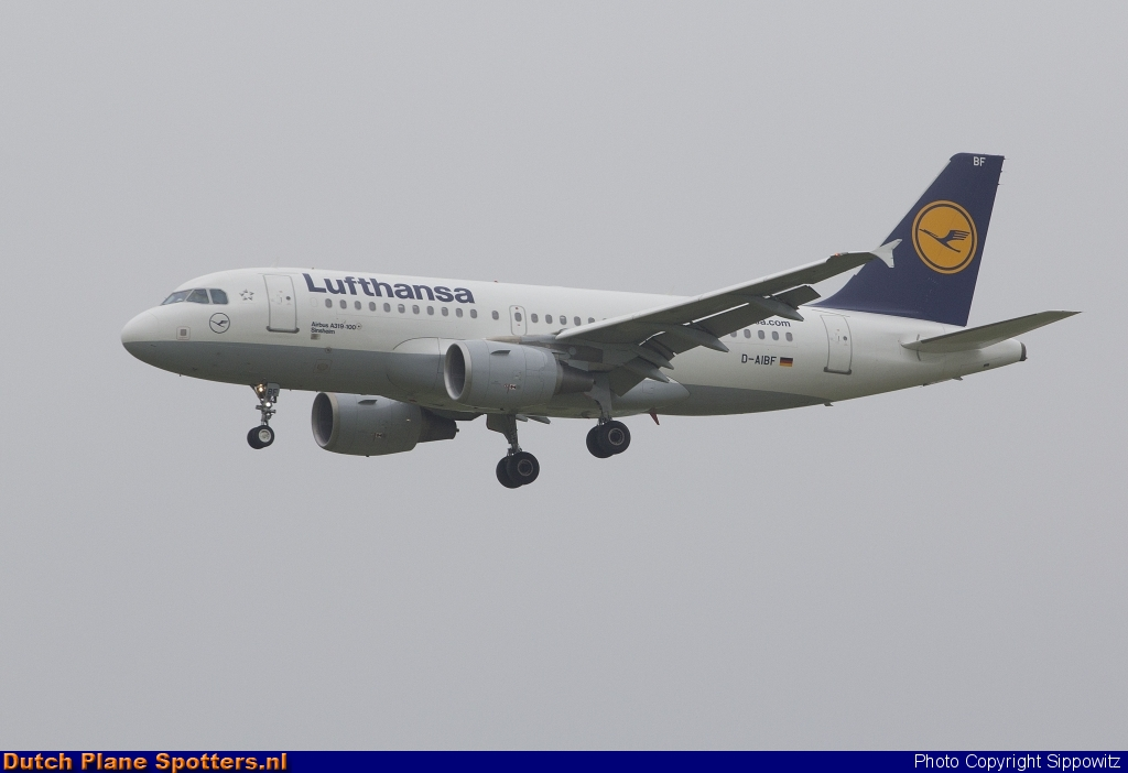 D-AIBF Airbus A319 Lufthansa by Sippowitz
