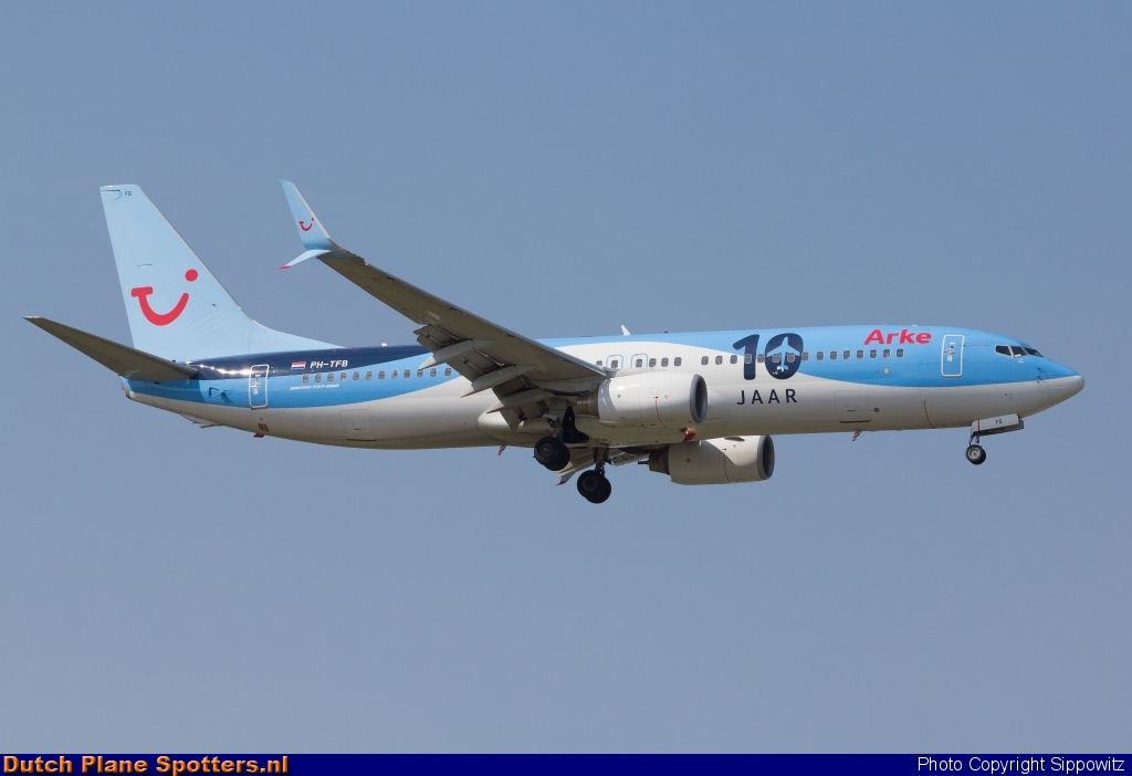 PH-TFB Boeing 737-800 Arke by Sippowitz