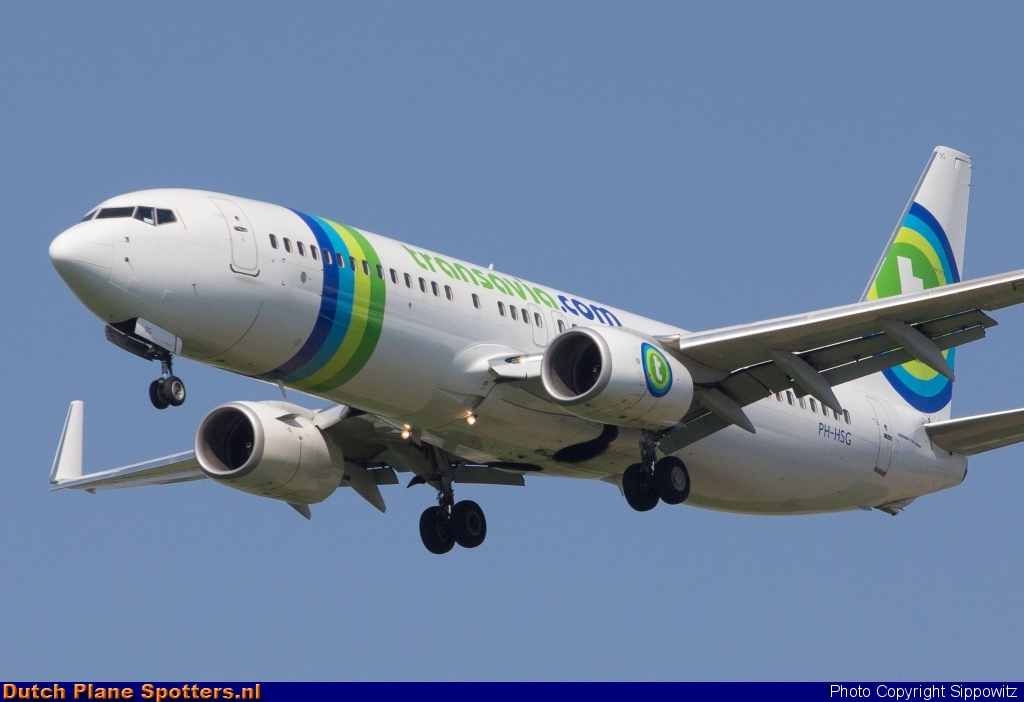 PH-HSG Boeing 737-800 Transavia by Sippowitz