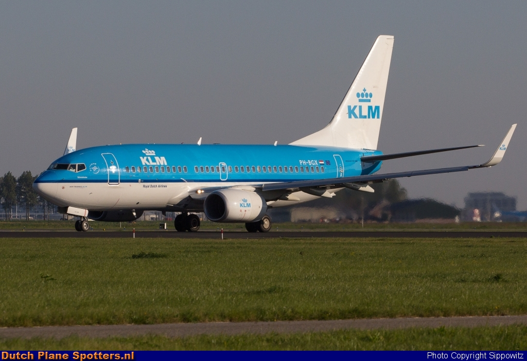 PH-BGX Boeing 737-700 KLM Royal Dutch Airlines by Sippowitz
