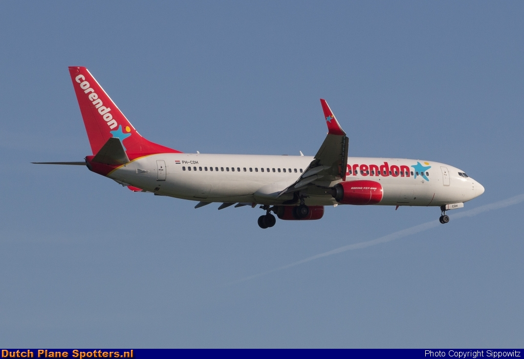 PH-CDH Boeing 737-800 Corendon Dutch Airlines by Sippowitz