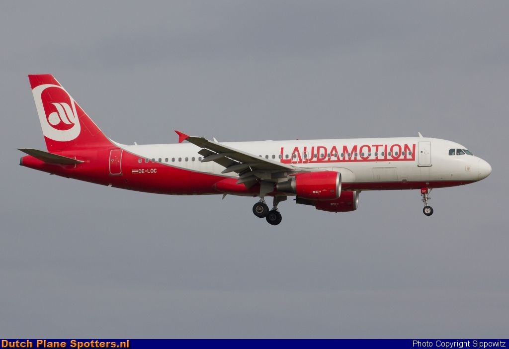 OE-LOC Airbus A320 LaudaMotion by Sippowitz