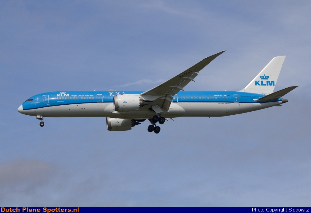PH-BHC Boeing 787-9 Dreamliner KLM Royal Dutch Airlines by Sippowitz