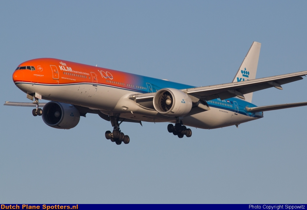 PH-BVA Boeing 777-300 KLM Royal Dutch Airlines by Sippowitz