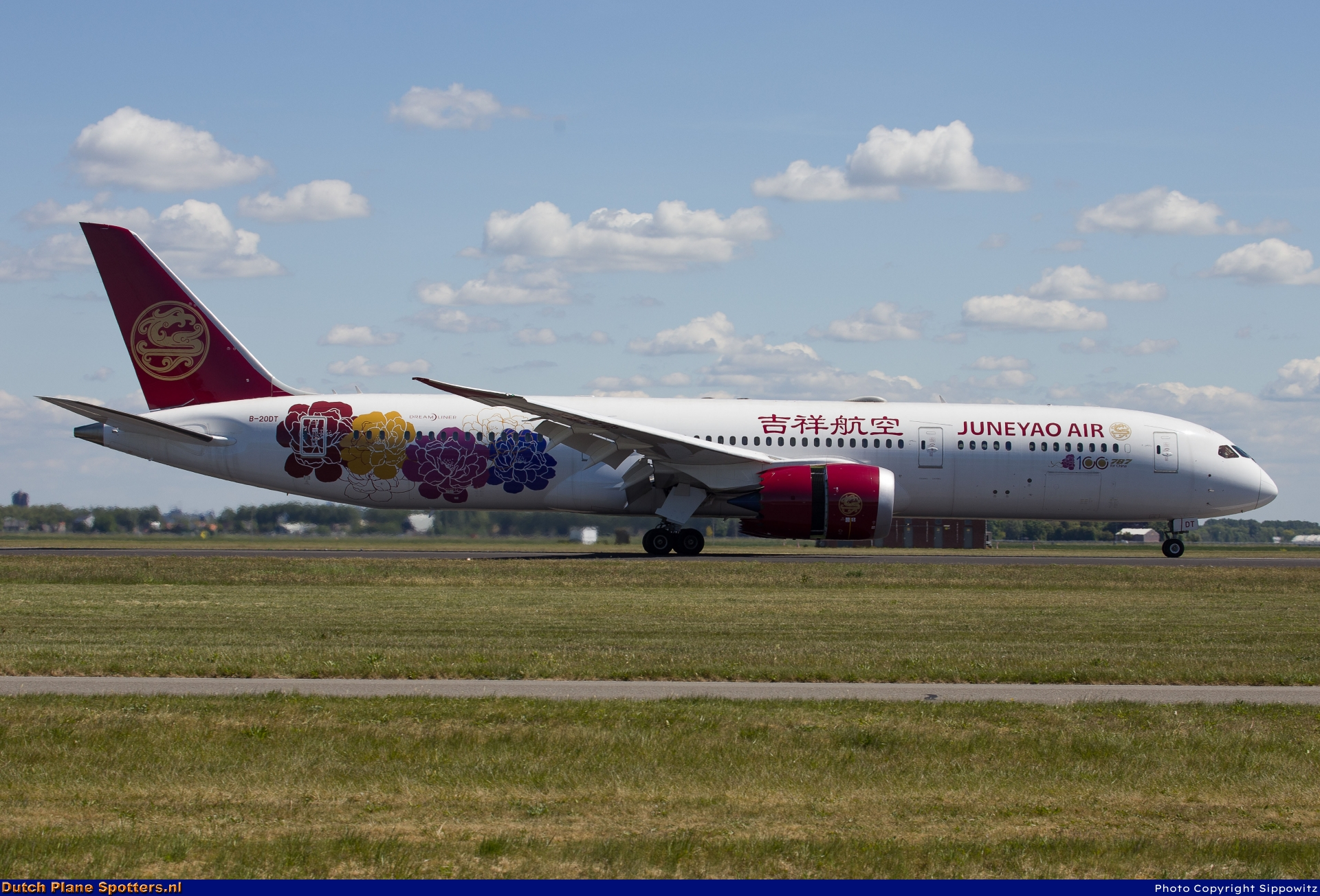 B-20DT Boeing 787-9 Dreamliner Juneyao Airlines by Sippowitz