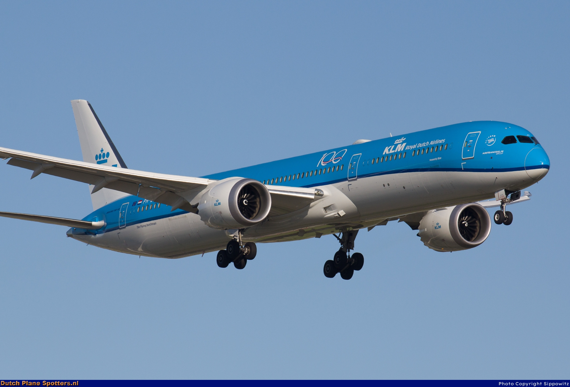 PH-BKD Boeing 787-10 Dreamliner KLM Royal Dutch Airlines by Sippowitz