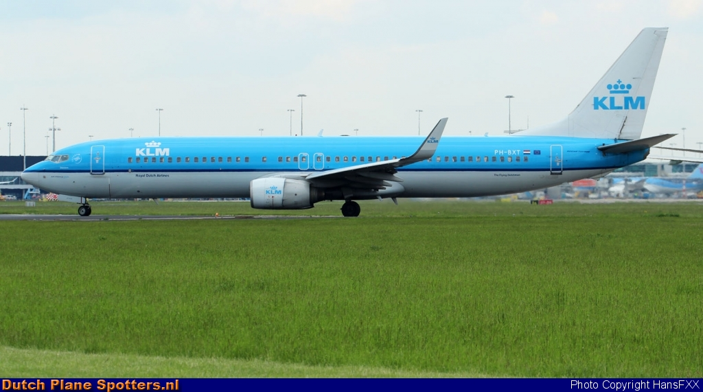 PH-BXT Boeing 737-900 KLM Royal Dutch Airlines by HansFXX