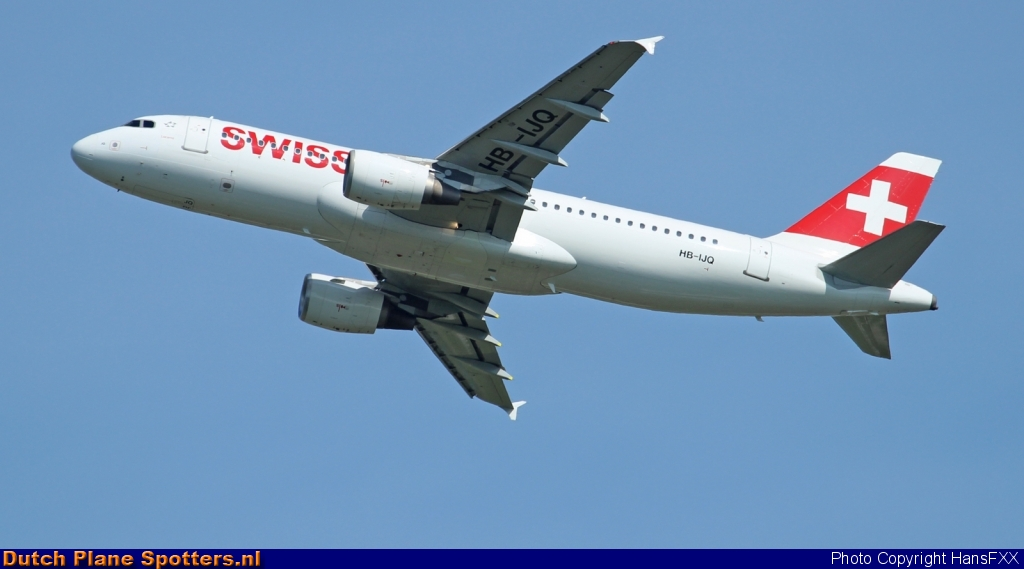 HB-IJQ Airbus A320 Swiss International Air Lines by HansFXX