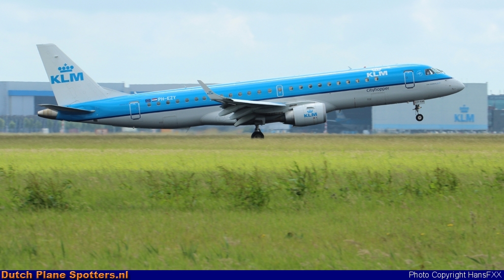 PH-EZY Embraer 190 KLM Cityhopper by HansFXX