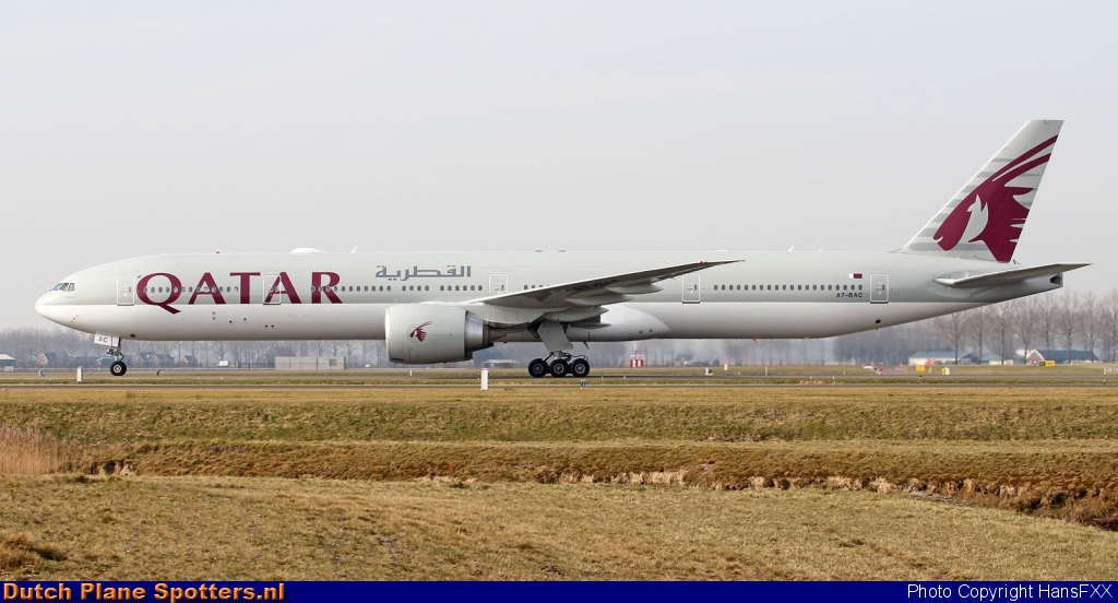 A7-BAC Boeing 777-300 Qatar Airways by HansFXX
