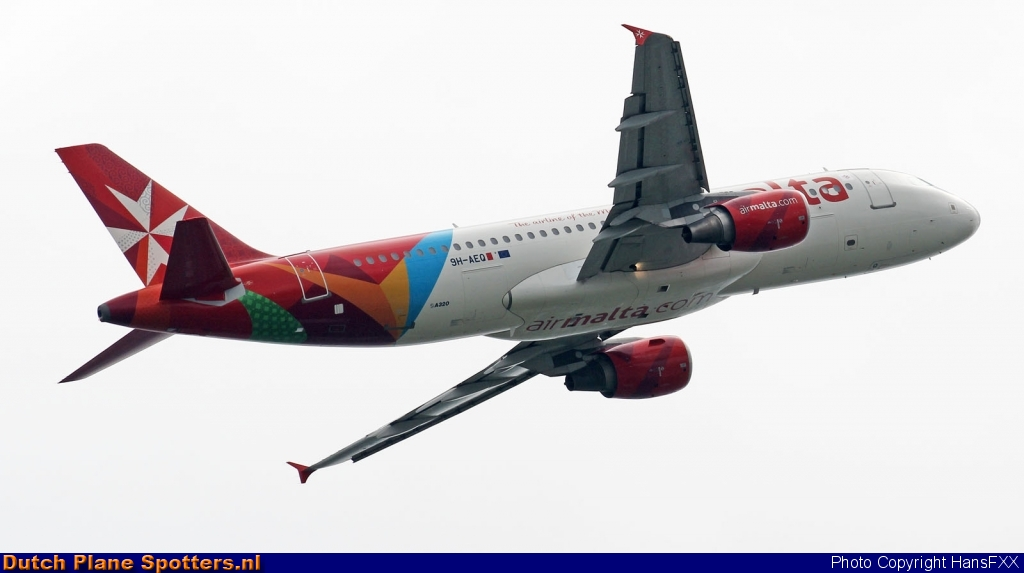 9H-AEQ Airbus A320 Air Malta by HansFXX