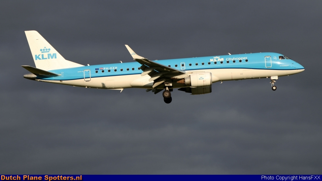 PH-EZH Embraer 190 KLM Cityhopper by HansFXX