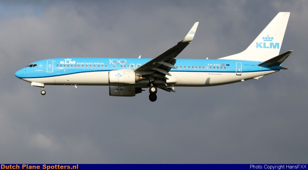 PH-BXU Boeing 737-800 KLM Royal Dutch Airlines by HansFXX