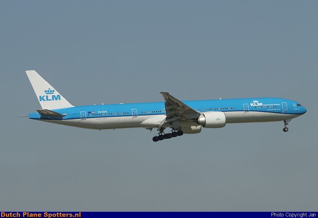 PH-BVR Boeing 777-300 KLM Royal Dutch Airlines by Jan