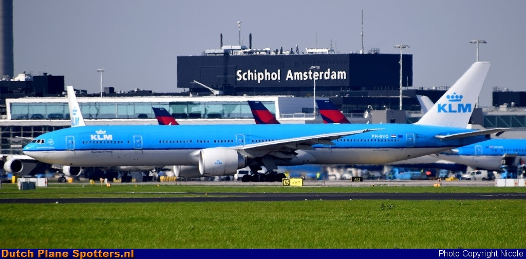PH-BVG Boeing 777-300 KLM Royal Dutch Airlines by Nicole