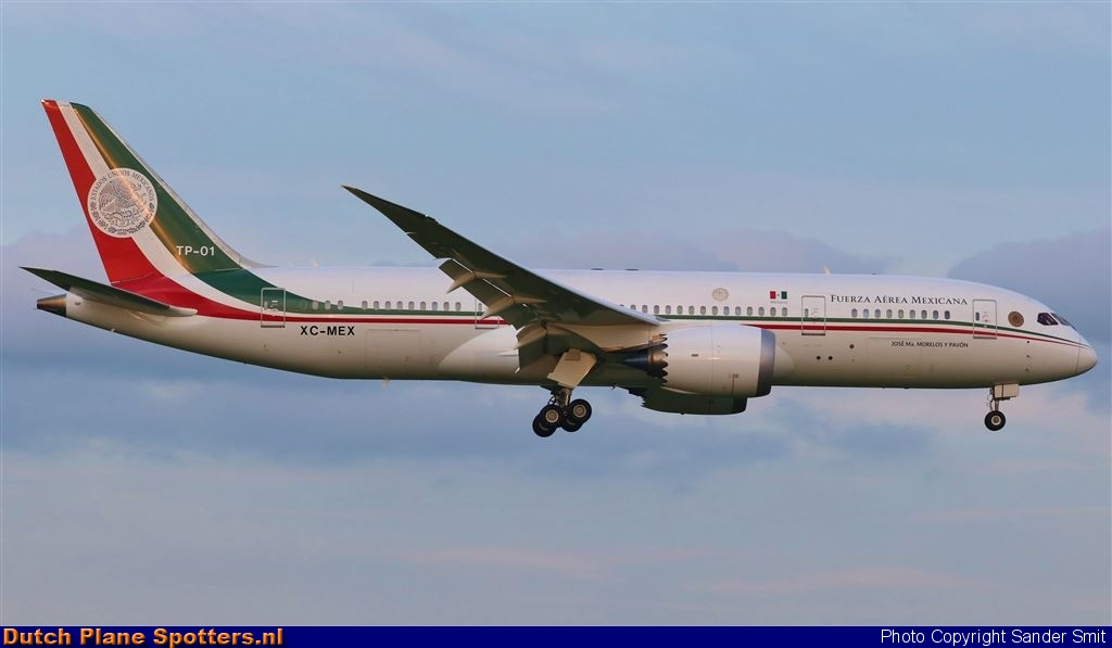 TP-01 / XC-MEX Boeing 787-8 Dreamliner MIL - Mexican Air Force by Sander Smit