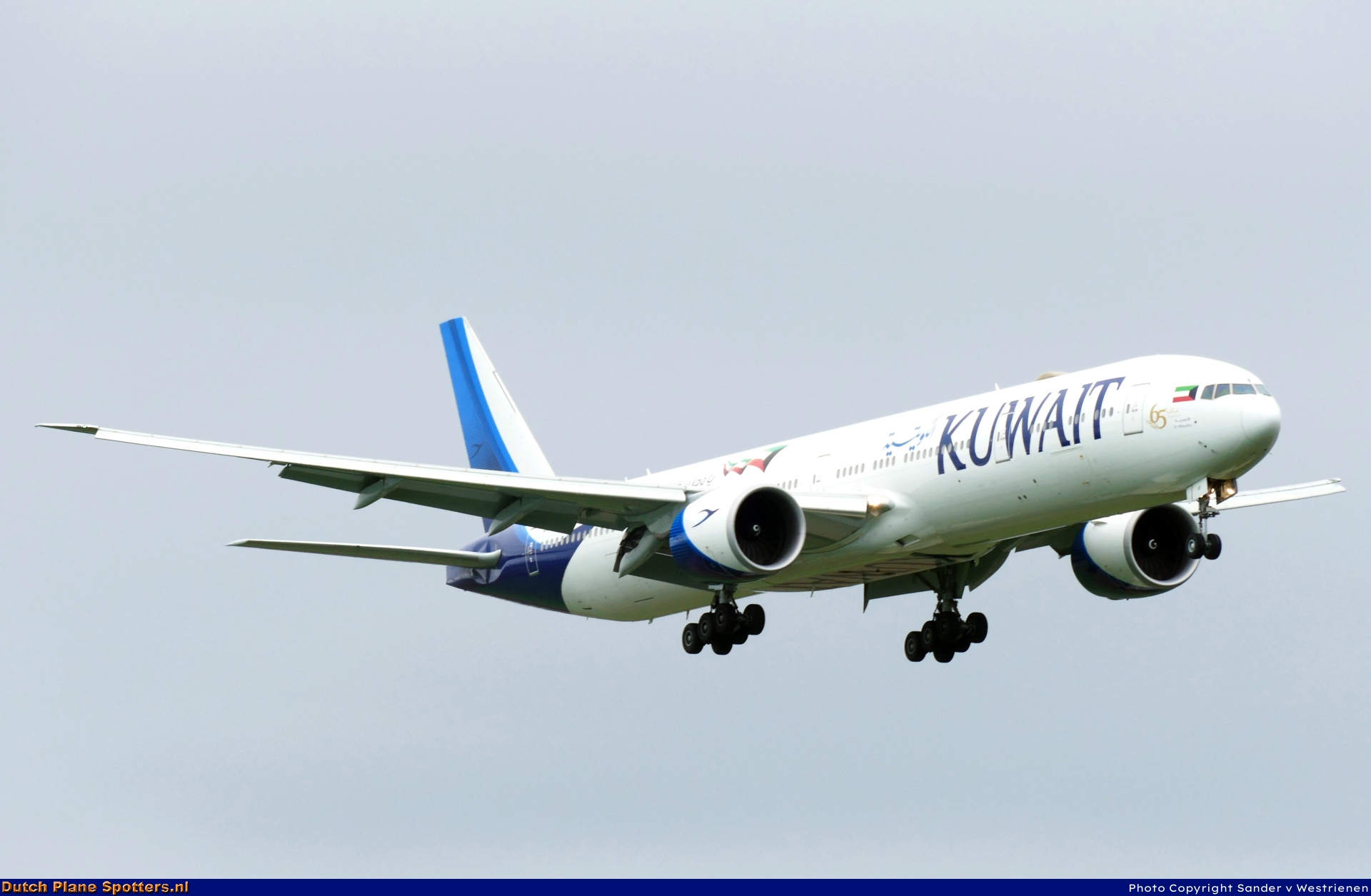 9K-AOF Boeing 777-300 Kuwait Airways by Sander v Westrienen