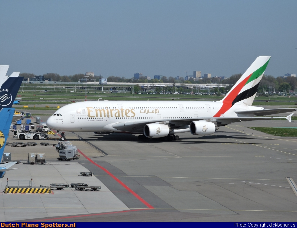 A6-EEE Airbus A380-800 Emirates by dickbonarius