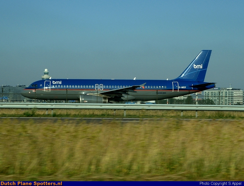 G-MIDY Airbus A320 BMI British Midland by S.Appel
