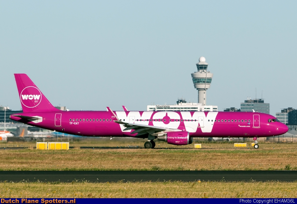 TF-CAT Airbus A321 WOW air by EHAM36L