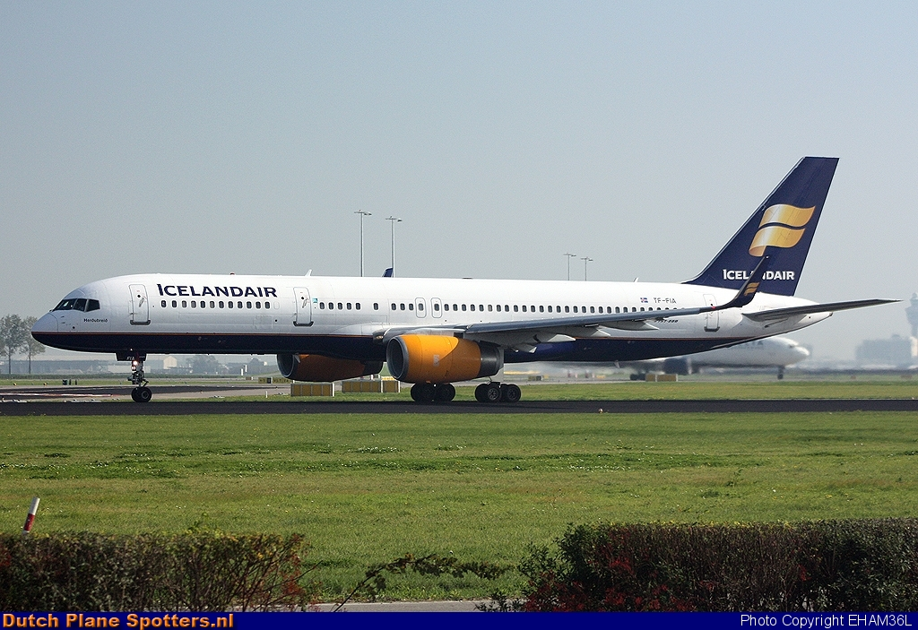 TF-FIA Boeing 757-200 Icelandair by EHAM36L